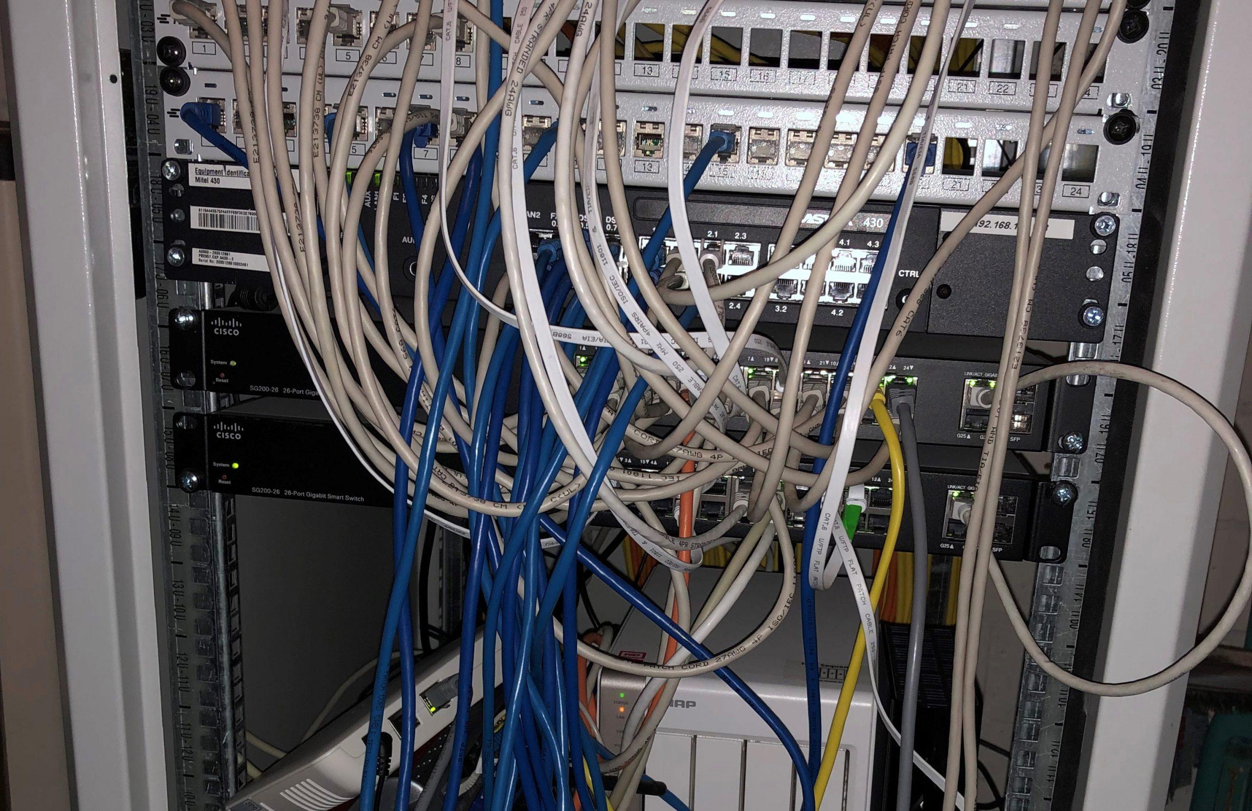 Serverschrank vorher Ausschnitt